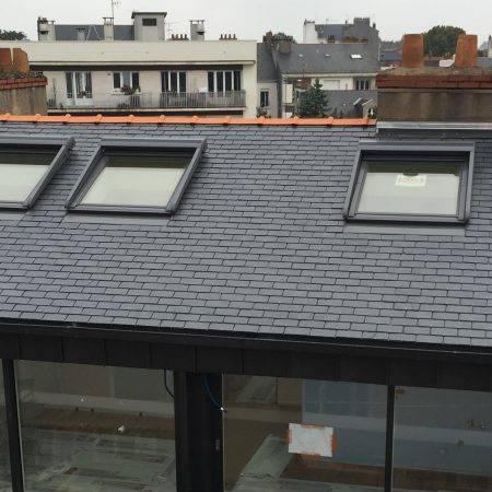 couverture de toit en ardoises